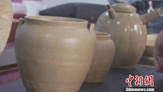 图为:唐宋五代时期的越窑青瓷 包定波 摄