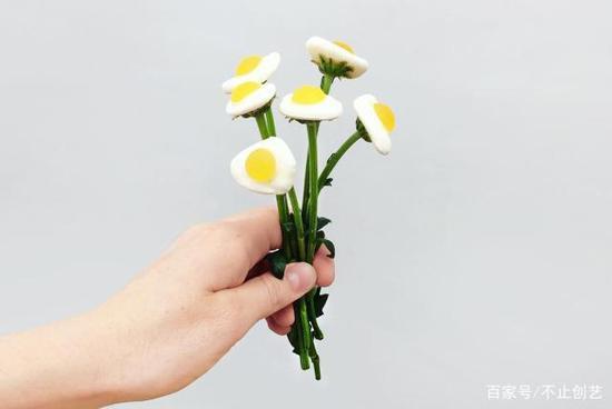 我以为这是一束普通的花,直到我发现它们可以吃。