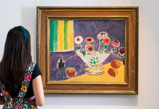 亨利?马蒂斯《花瓶里的银莲花》油彩、黑色蜡笔画布 1946年作