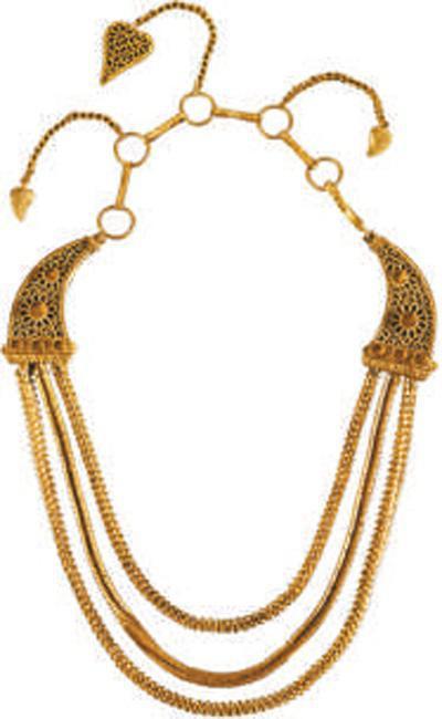 """图为""""南海Ⅰ号""""沉船的金项链。"""
