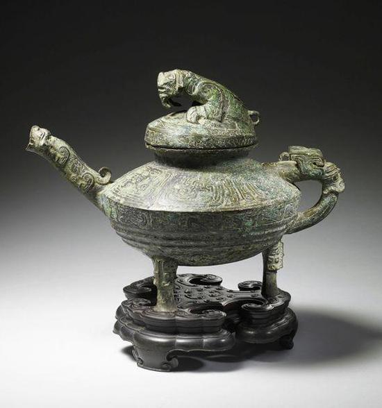 """青铜""""虎鎣"""" 图源:中国国家博物馆"""