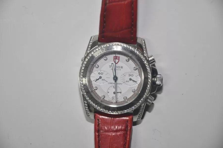 13、卡地亚手表(白金男表)