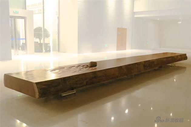 《静水流石》 Silent Water and Flowing Rock,木、石,WoodStone,1000×160×40cm, 2013