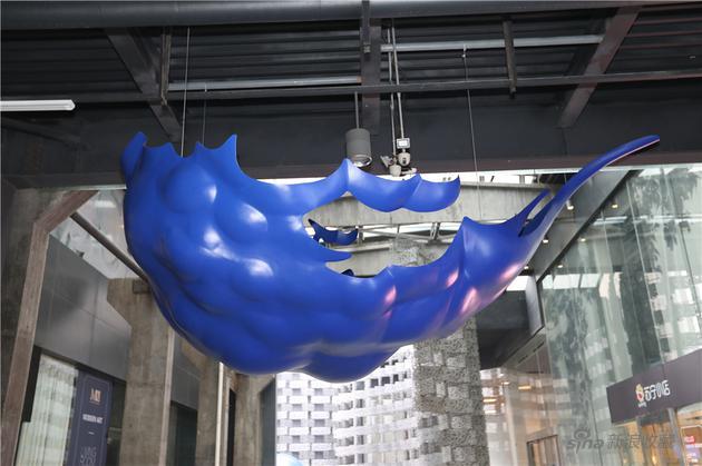 蓝上之蓝---纳影,冯且,不锈钢,2019