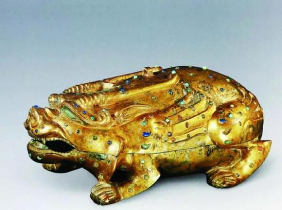 东汉 鎏金镶嵌兽形铜盒砚