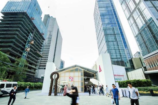 首届Art Chengdu国际当代艺术博览会外视图