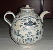 青花大茶壶