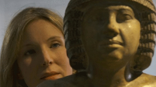 这座石灰岩古埃及雕像有76厘米高,该拍卖广受争议