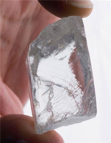 南非库里南矿发现232克拉顶级钻石  价值或达1000万英镑