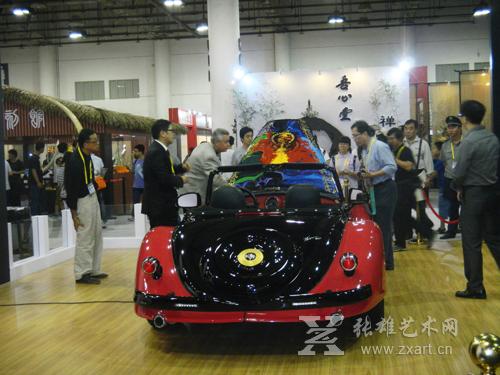 台湾艺术家李善单与美国迪摩拉合作的帝王Vicci 6.2艺术超跑