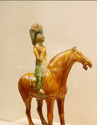 礼泉骑马的雕塑图片