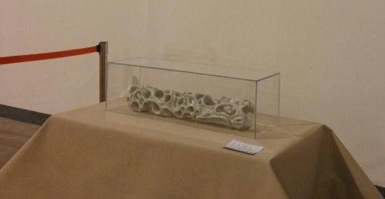 著名陶艺家白明作品《瓷石之间》