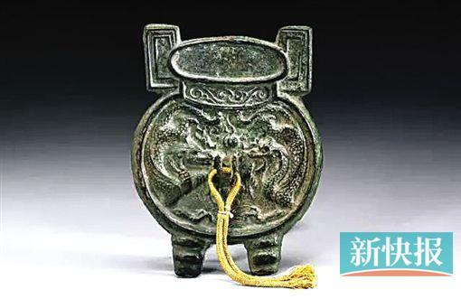 南宋 双龙古鼎形镜-皇帝的铜镜收藏 宋徽宗率先把铜镜编入古器图谱
