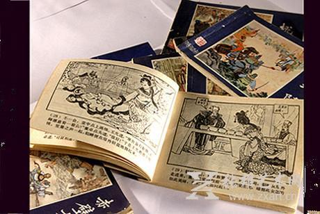 鲁启云向记者介绍,连环画是中国传统绘画艺术之一,多用白描的形式