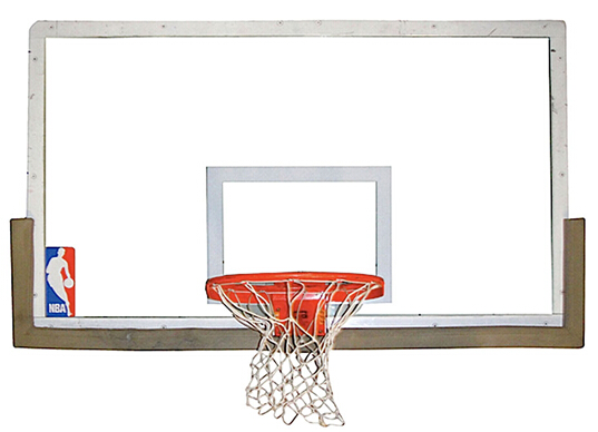 图为 1998 年迈克尔乔丹在 NBA 冠军总决赛上投入制胜一球所用的篮筐和篮板。 2015 年 7 月 30 日,美国遗产拍行在芝加哥全国体育收藏协家大会 (National Sports Collectors Convention) 上拍卖美国著名篮球运动员迈克尔乔丹 (Michael Jordan) 在赛场上拿下其最后关键一分时所用的篮筐和篮板,拍前估价超过 10 万美元(约合人民币 60.