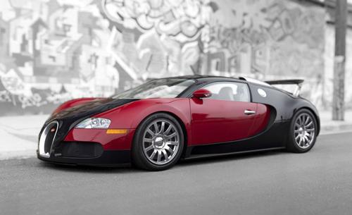 特制超级跑车布加迪威龙001拍出182万美元天价
