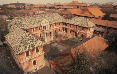 始建于1914年的宝蕴楼是故宫中唯一一座近代建筑
