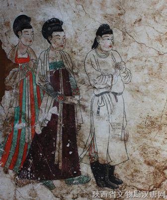 唐代的前卫女装在昭陵文物中表现得淋漓尽致