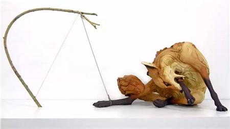 可以表达人类情绪的粘土动物雕塑