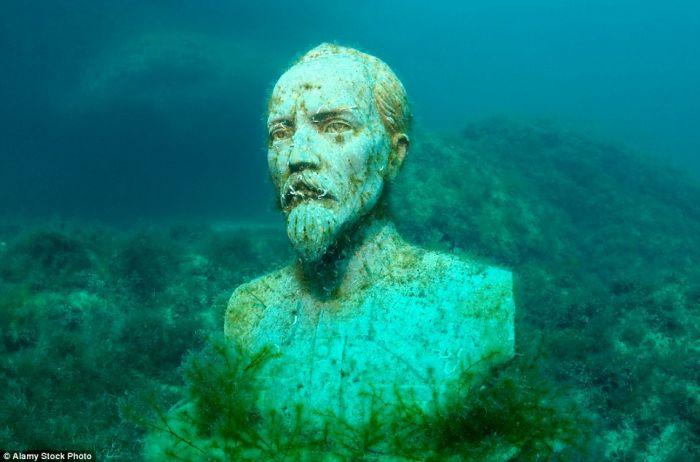 浪漫的艺术冒险:藏在欧洲海底的雕像博物馆
