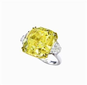 Scarselli设计艳彩黄钻石配钻石戒指,成交价1298万港元