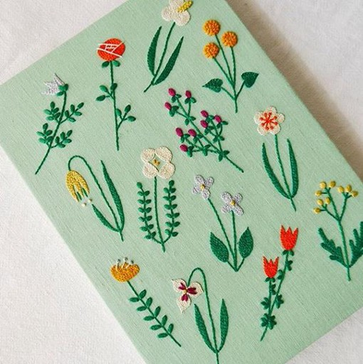 刺绣艺术家YUMIKOHIGUCHI清新风格刺绣图片