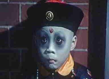 为什么中国电影的僵尸均穿清朝官服?