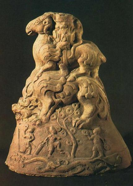 三台灵兴汉代崖墓出土摇钱树上的灵猴形象,绵阳博物馆藏