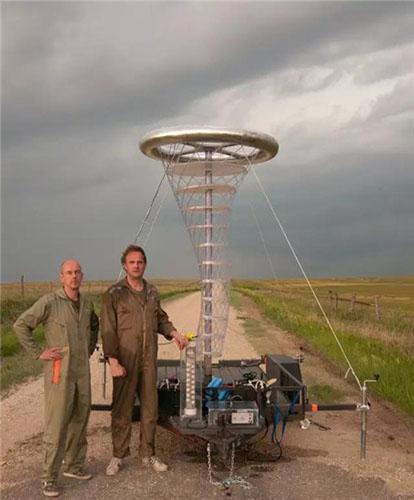 B&B与在《天气大战》中运用到的龙卷风干预装置(Coursty of Bigert & Bergström)