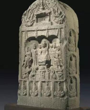 唐咸亨(公元670-674年) 石灰岩雕四面造像碑 估价:美元 120,000- 180,000