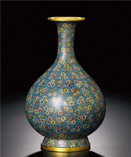 清乾隆铜胎掐丝珐琅百花锦纹玉壶春瓶 预估价120—240万新台币