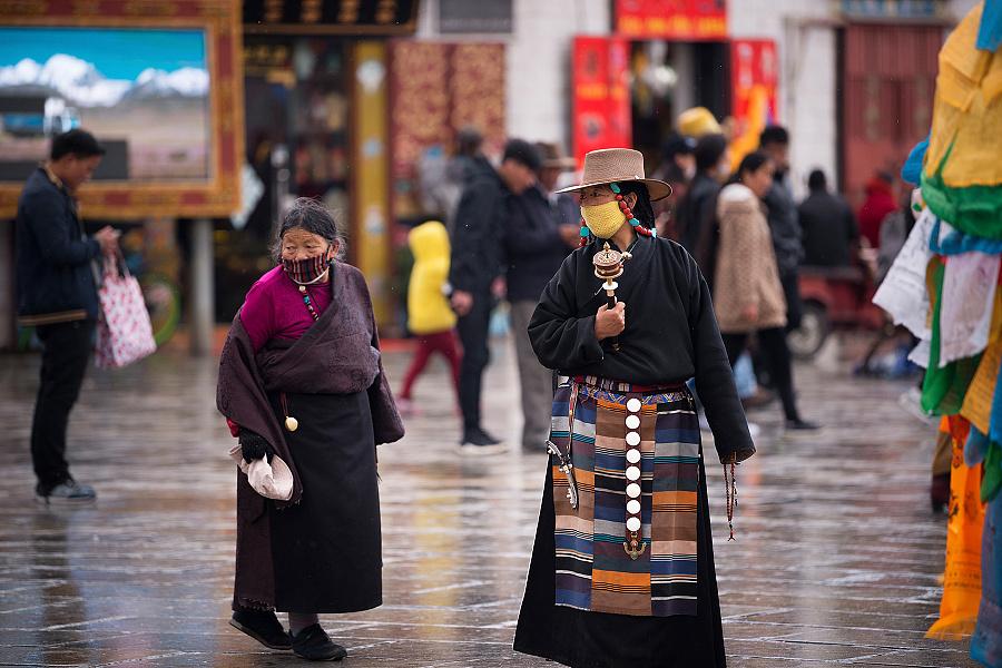 春雨之后的大昭寺广场