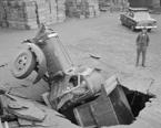 近百年前的奇葩车祸,司机们也是蛮拼的