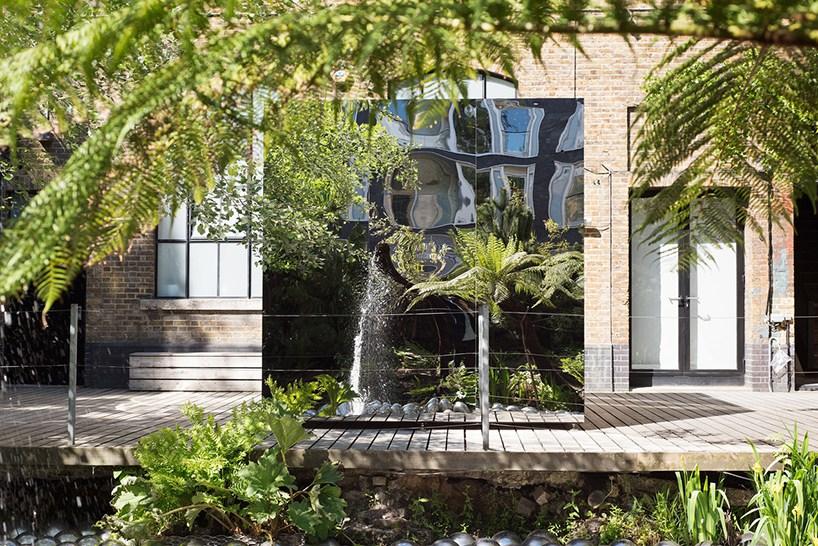 草间弥生伦敦艺术展 : 令人惊艳的镜屋