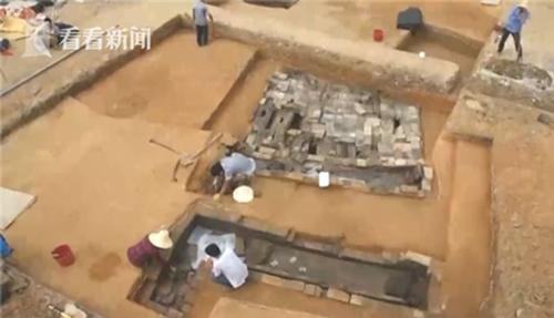 """古墓发掘出""""房产证"""" 来自公元241年的买地券"""