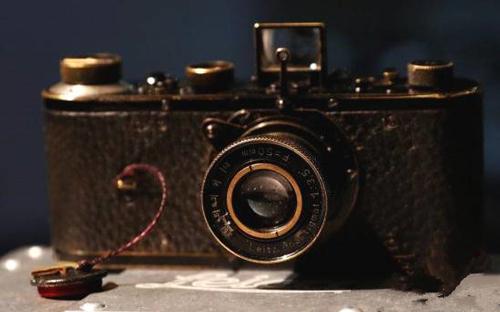 创纪录!1923年徕卡相机拍出240万欧元
