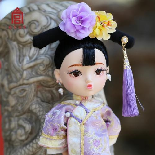 """故宫文创推出""""俏格格娃娃"""" 图片来源:故宫网店"""