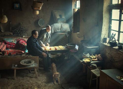 荷赛丨小山村 小土窑 平凡中的伟大