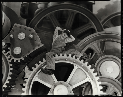 《摩登时代》1934-1935年 ©Roy Export SAS / 洛桑爱丽舍博物馆惠允,博洛尼亚电影资料馆惠允扫描