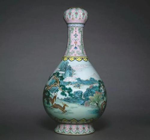 清乾隆 宫粉地洋彩鹤鹿同春如意瓶 现存于法国吉美博物馆