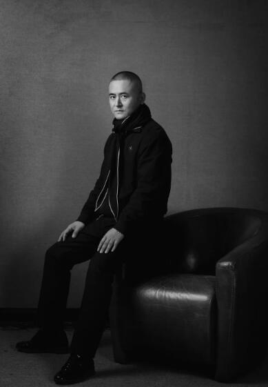 曾梵志肖像图。摄影:Li Zhenhua © 2018