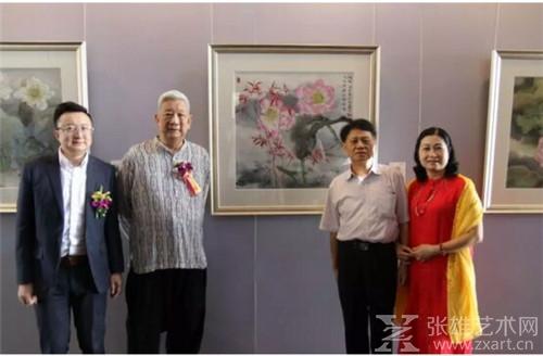 百诚艺术馆馆长李明浩先生与叶泉先生、百诚贵宾合影
