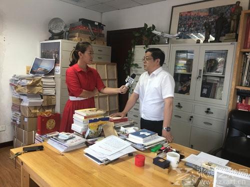 张雄艺术网采访中国美术家协会分党组书记、常务副主席、秘书长徐里