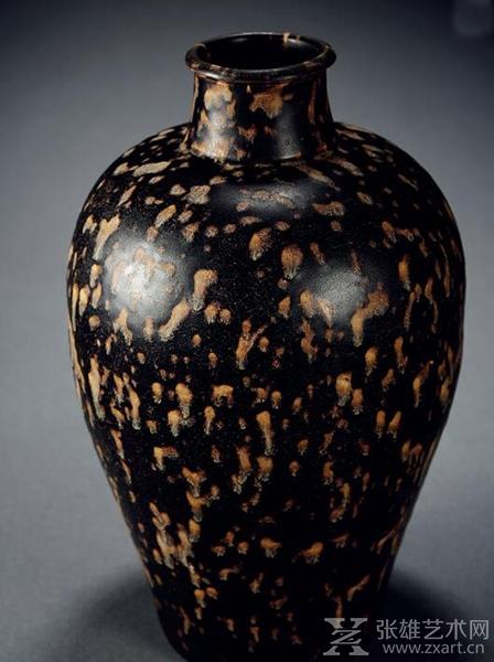 南宋·吉州窑玳瑁梅瓶 高:32cm 估价 RMB: 300,000-500,000