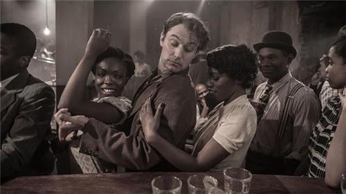 电影中反映哈莱姆爵士演奏的场景