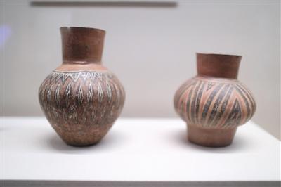 焦家遗址中出土的彩绘陶,既是生活实用器也是墓葬内随葬品的组成部分。