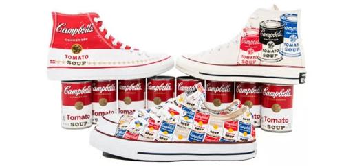 ▲匡威与安迪·沃霍尔基金会合作,推出印制有安迪沃霍尔作品的经典All Stars 帆布鞋,这其中便包括了那幅著名的金宝汤罐头画作。