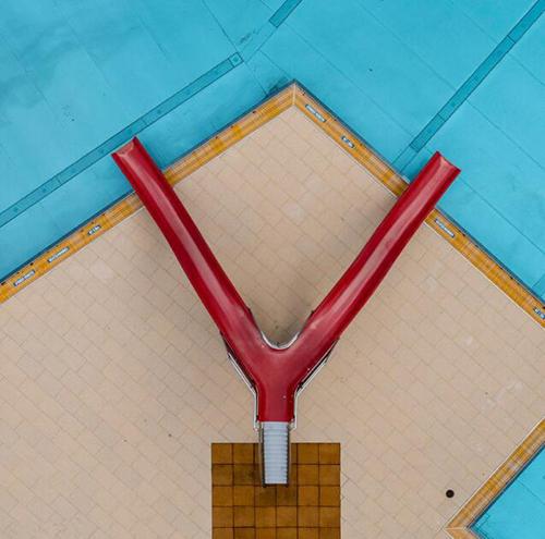 空中俯瞰游泳池 不一样的视觉体验