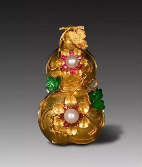 金嵌珠石葫芦式别针 故宫博物院藏