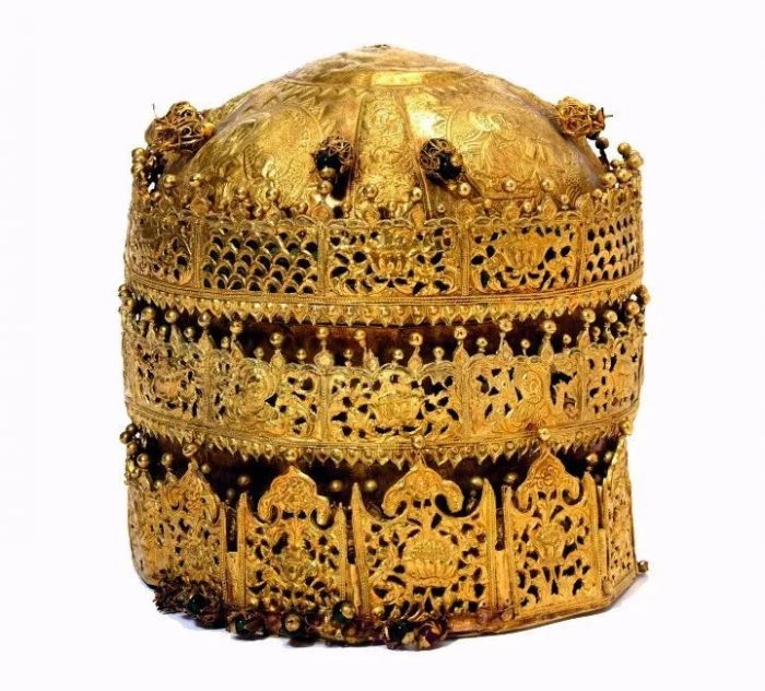 英国军队于150年前在埃塞俄比亚掠夺的国王金冠,现藏于维多利亚和阿尔伯特博物馆 图片:V&A博物馆